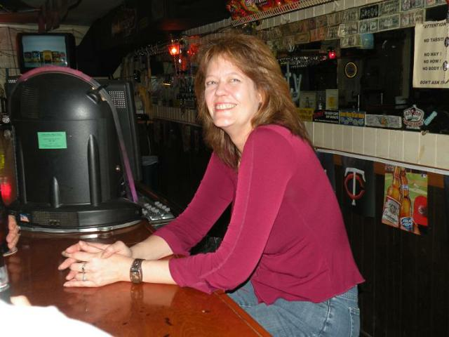 Here is, Leah, one of the bartenders that we met in Homosassa at the Saloon. Leah also sings Karaoke, and we will have a grainy video of her singing on the Media page soon.